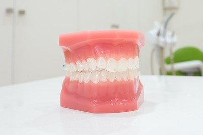 Medicare Doesn't Cover Dentures. So What Does?