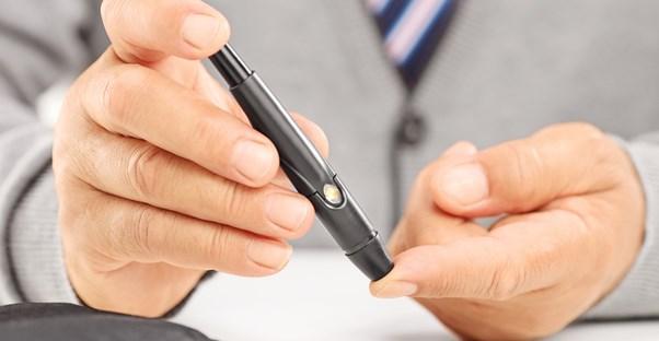 a man using type 2 diabetes treatments