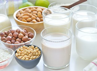 difference between lactose intolerance and milk allergy
