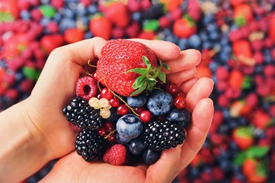 berries cancer fighting foods