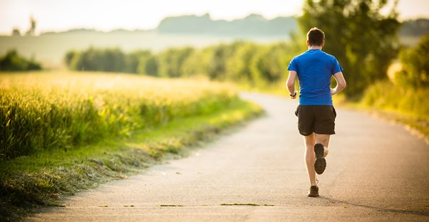 a man who knows the five secrets to becoming a runner