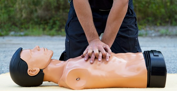 a rescuer who knows how to perform CPR